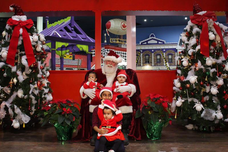 Santabooth-3.jpg