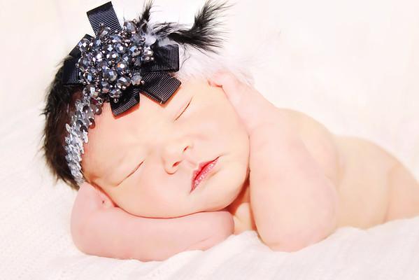 Gwen Lopez Newborn session
