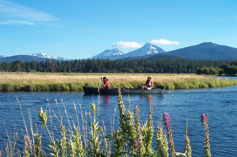 sugirls-canoeing.jpg