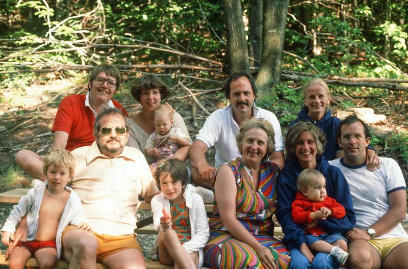 1977_ 07 Ricca Family.jpg