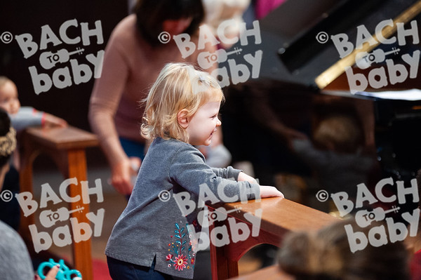©Bach to Baby 2019_Laura Woodrow_Epsom_2019-25-10_ 15.jpg