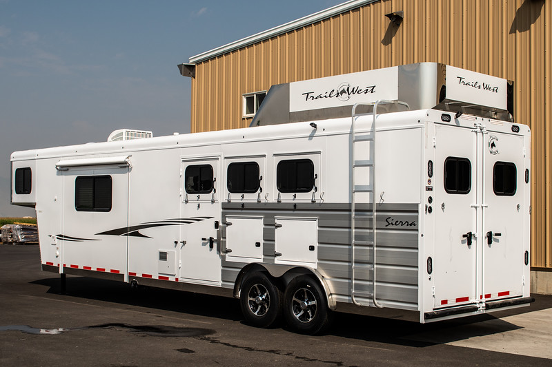 2019 TW Horse Trailers & Tack Rooms-227-2.jpg