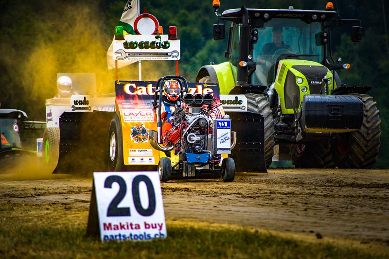 Tractor Pulling 2015-02237.jpg
