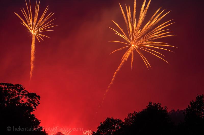 Newby fireworks 2017-67.jpg