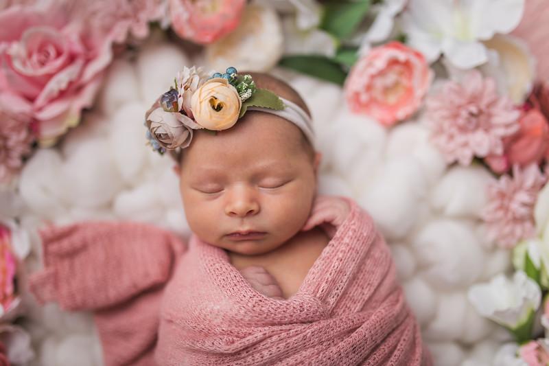 Kaylyn Newborn-96.jpg