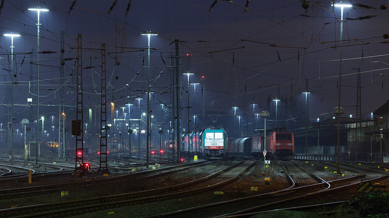 Night time at Aachen West. 2820 will be the next engine out after a train arrives from Germany.