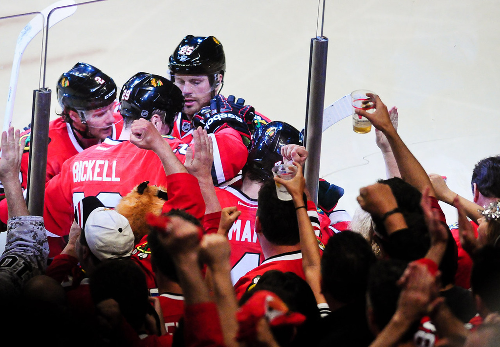 . Chicago celebrates center Andrew Shaw goal in the second period. (Pioneer Press: Ben Garvin)