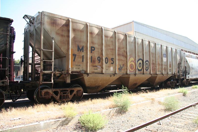MP711905_3.JPG