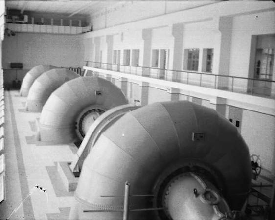 1961 -Turbinas barragem Dundo