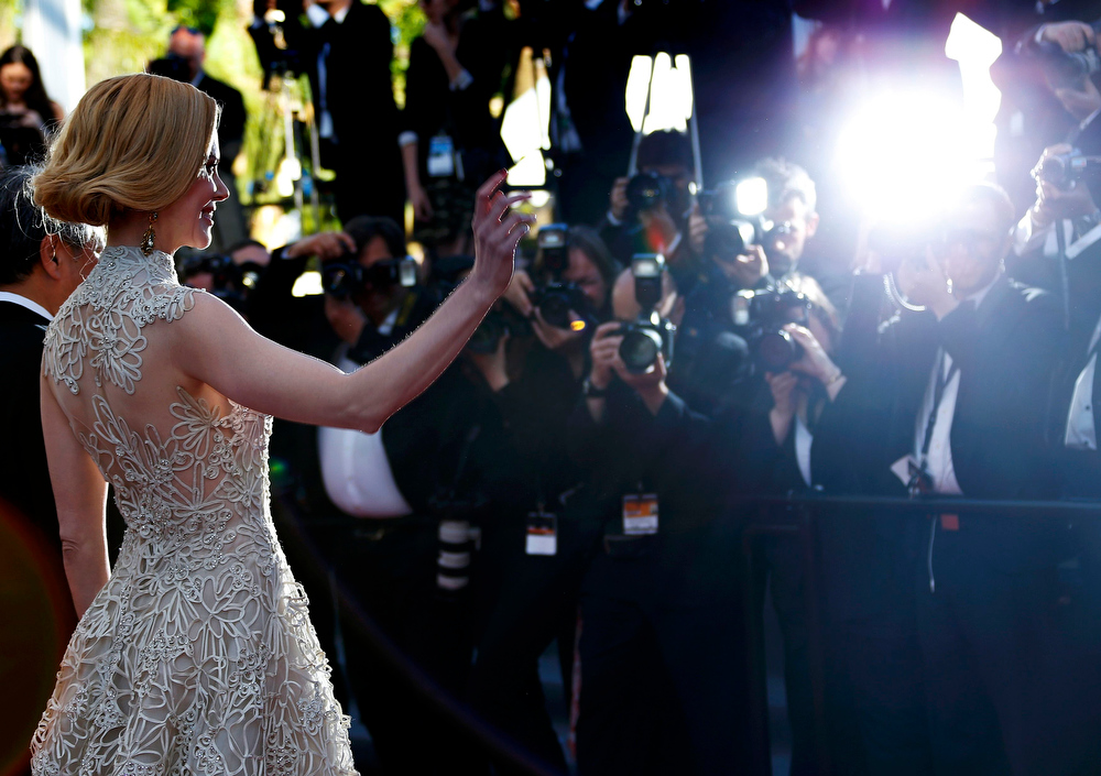 ". Jury members of the 66th Cannes Film Festival actress Nicole Kidman poses on the red carpet as she arrives for the screening of the film ""Nebraska\"" in competition during the 66th Cannes Film Festival in Cannes May 23, 2013.         REUTERS/Eric Gaillard"