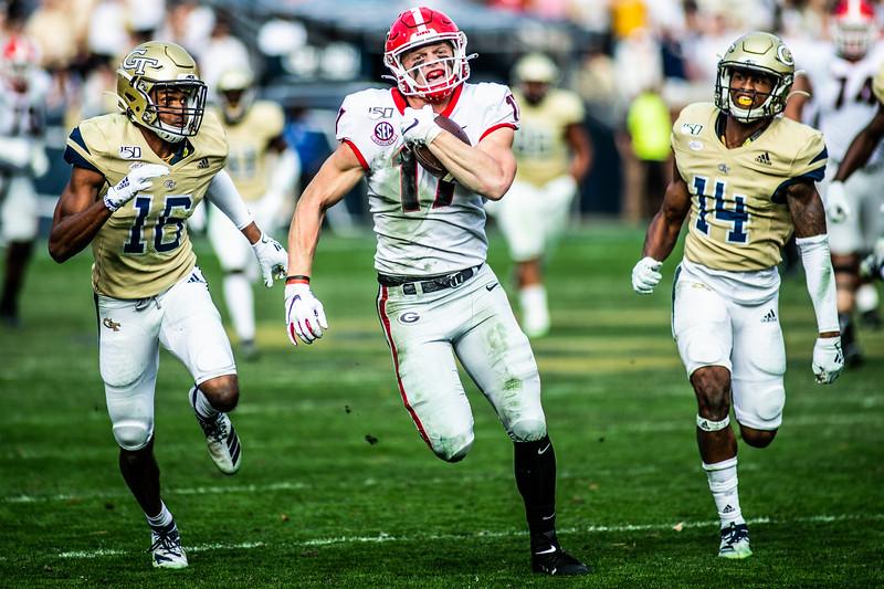 Georgia's tight end, Eli Wolf (17) runs the ball during the game against Georgia Tech at Bobby Dodd Stadium in Atlanta, Georgia November 30, 2019. (Photo: Nicole Seitz)