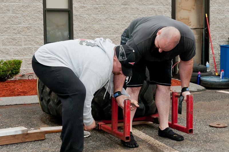 Fitness Revolution Strongman Challenge 2011_ERF3872.jpg