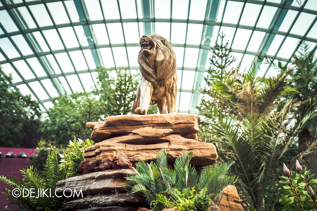 Gardens by the Bay - Tribal Tempo / lion on pride rock