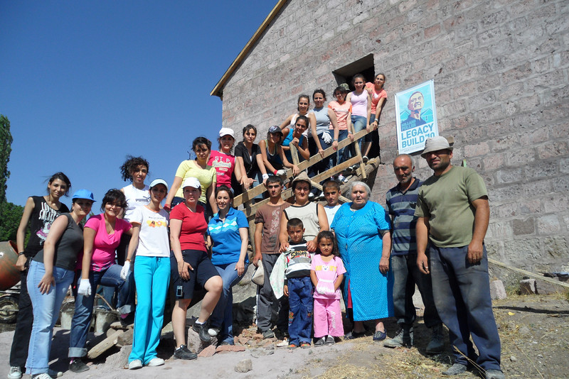10 09-07 AGBU team at MFLB.   gohar