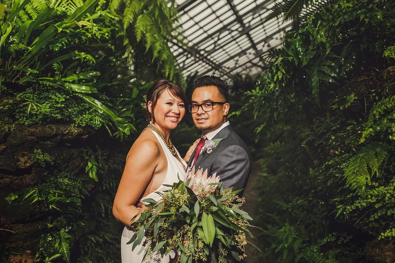 Garfieldpark-conservatory-wedding-37.jpg