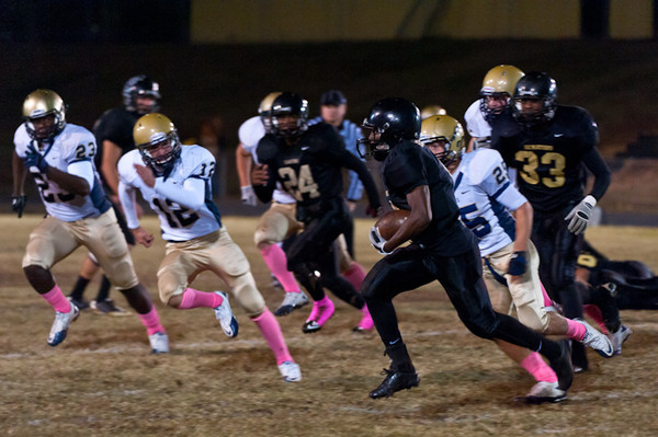 Sports-Football-Pulaski Academy vs Robinson 102811-29.jpg