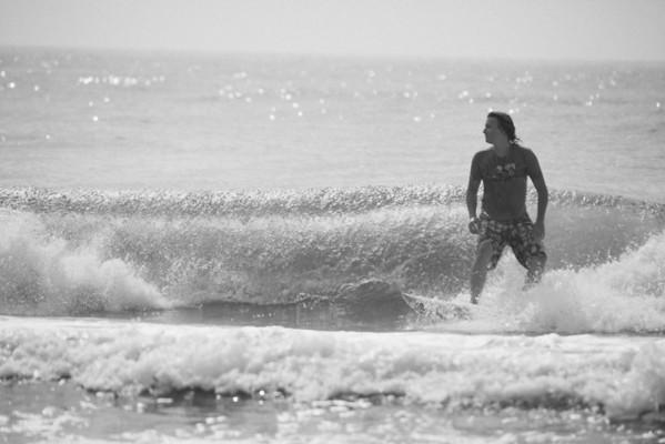 OC Surfing BW