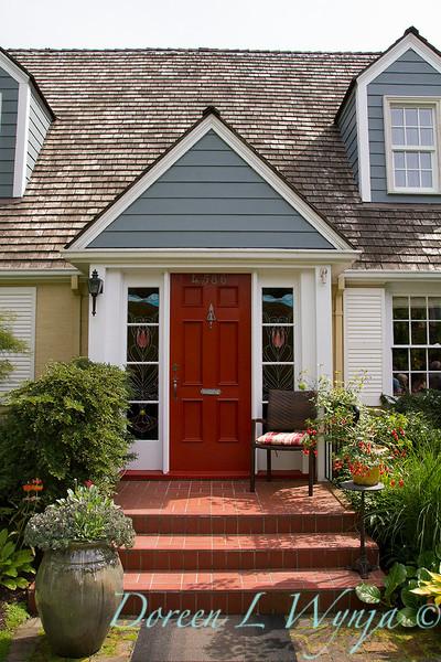 Red door_4506.jpg