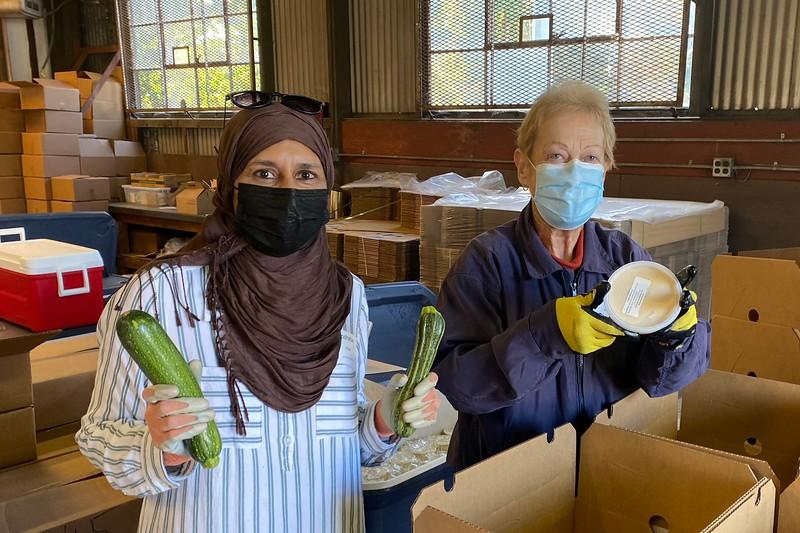 abrahamic-alliance-international-abrahamic-reunion-compassion-farm-box-packing-san-jose-2021-09-13-veggielution-warehouse-22-24-43-eva-lippmann.jpeg