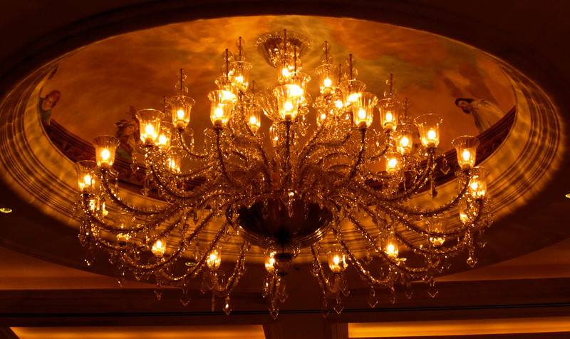 chandelier in the Venetian.jpg