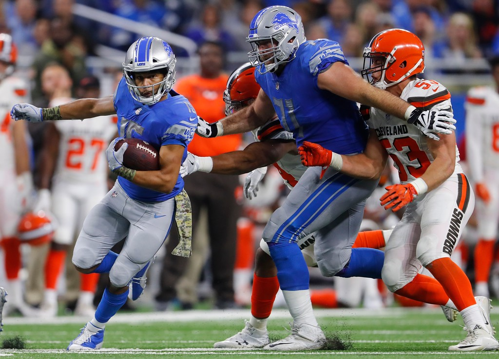 . Detroit Lions wide receiver Golden Tate (15) rushes for a 40-yard touchdown during the second half of an NFL football game against the Cleveland Browns, Sunday, Nov. 12, 2017, in Detroit. (AP Photo/Paul Sancya)