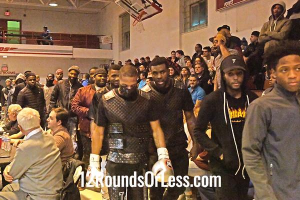 "Bout 7 = Main Event = Thomas ""Gunna Man"" Mattice, Black Trunks, Cleveland  -vs- Eliseo ""Lobo"" Cruz Sesma, Black with White Trunks, Tuxtla, Mexico, Lightweights"