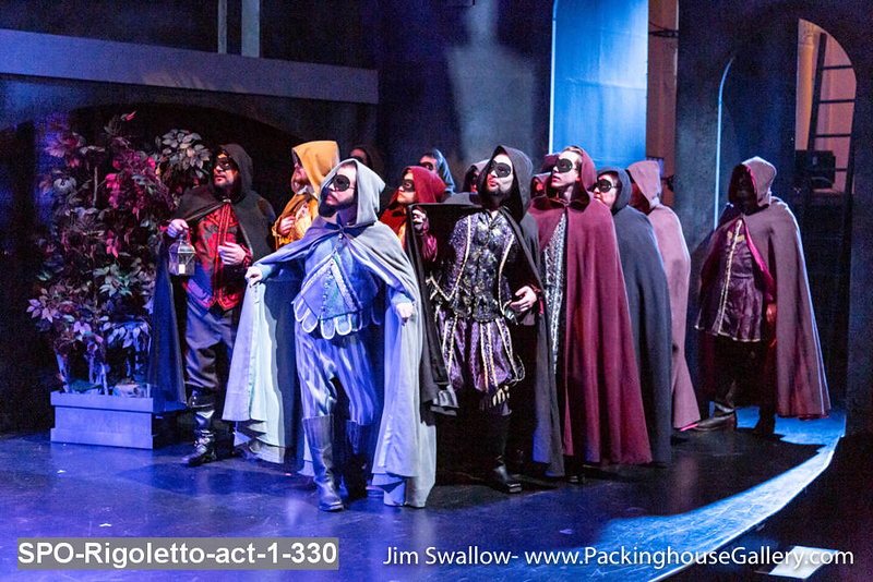 SPO-Rigoletto-act-1-330.jpg