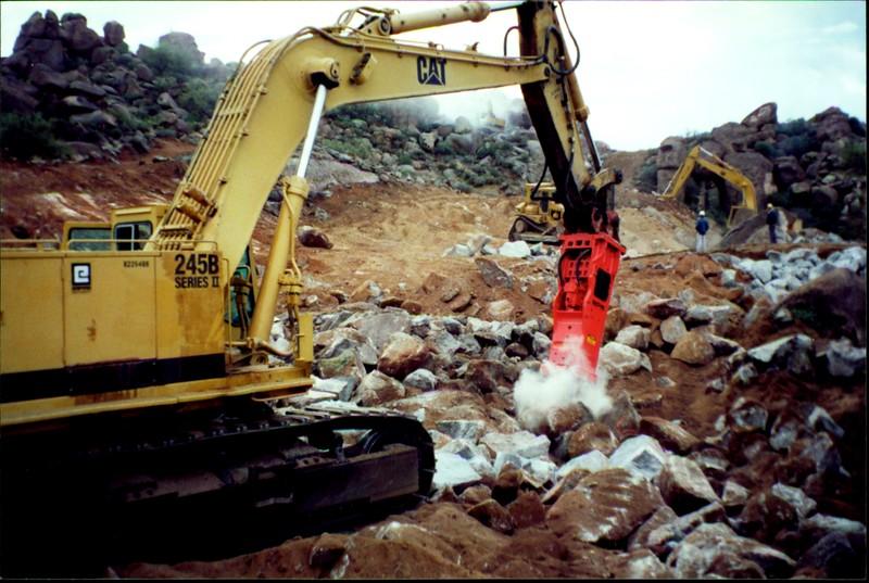NPK E260A hydraulic hammer on Cat excavator 12-10-99 (3).JPG