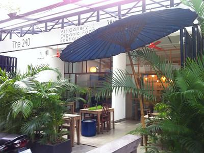 240-hotel-cambodia.jpg