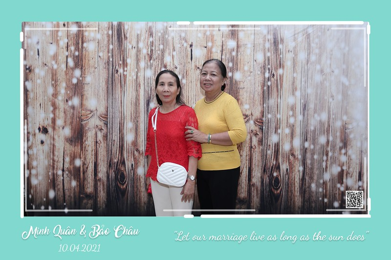 QC-wedding-instant-print-photobooth-Chup-hinh-lay-lien-in-anh-lay-ngay-Tiec-cuoi-WefieBox-Photobooth-Vietnam-cho-thue-photo-booth-060.jpg