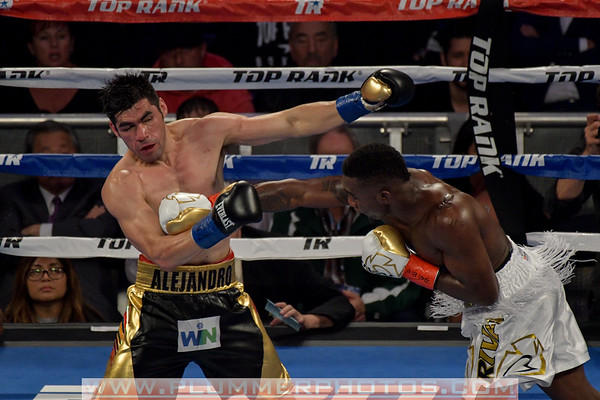 Alejandro Barrera vs. Carlos Adames