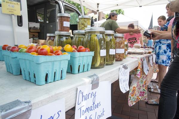 farmersMarket-nb-071119-008