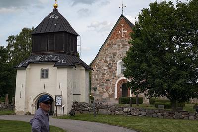 Finsta: Skederid kyrka
