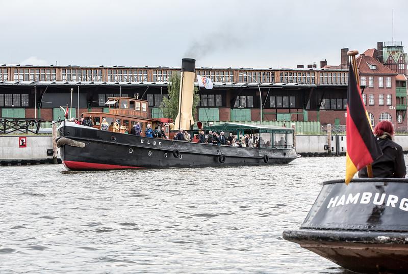 Dampfschiff Elbe im Hansahafen Hamburg