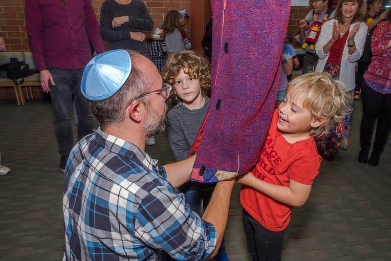 Simchat Torah-240.jpg