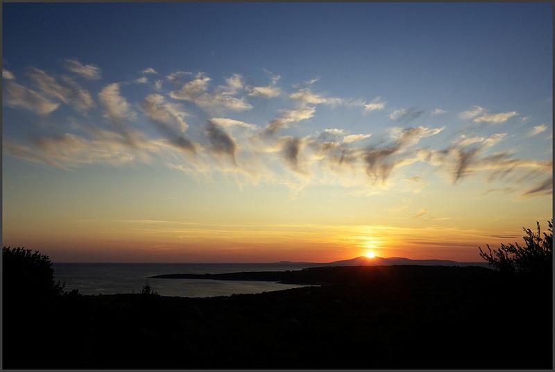 Západ slunce nad ostrovem Vis. Uvidíte ho ještì mnohokrát ;)