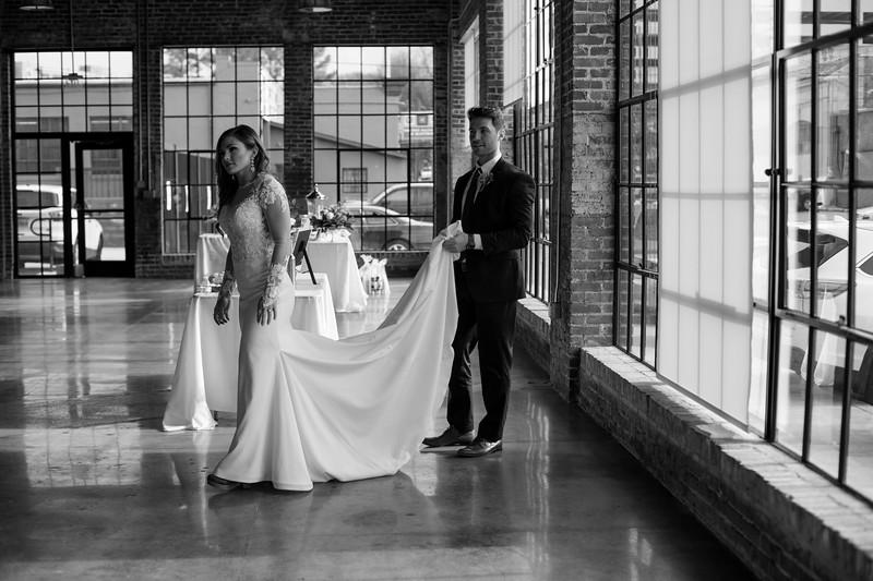 Kate&Josh_B&W_ZACH.WATHEN.PHOTOGRAPHER-317.jpg
