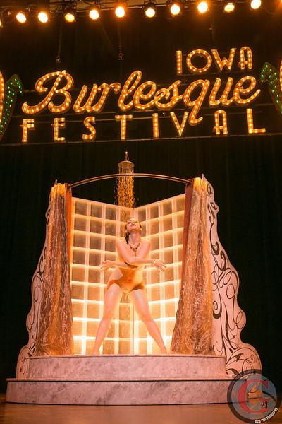 burlesque day2 edits (285 of 123).jpg