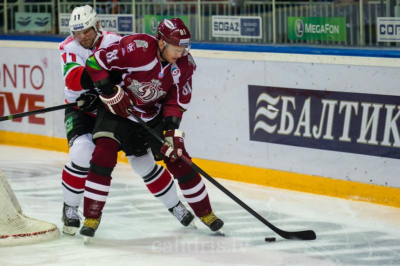 Ryabykin Dmitry (11) un Marcel Hossa (81)