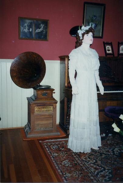 1996 Bridal Exhibition-5.jpg