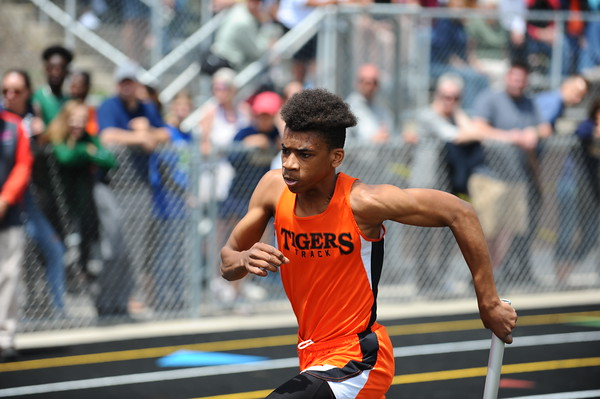 D4 Boys' 4x200 Relay - 2018 MHSAA LP T&F Finals