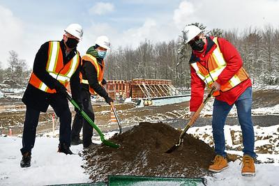Cérémonie de pelletée de terre pour la construction du Vélodrome Sylvan Adams - Centre multisports Desjardins.