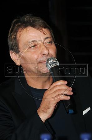 Cesare Battisti presents book