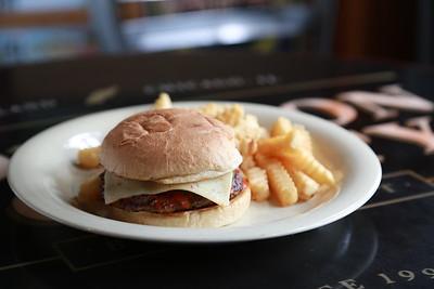 El Bait Shop  -  Hamburger FUN  -  2/11/2016