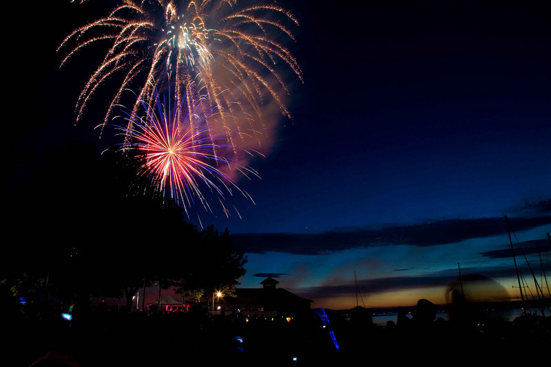 Fireworks at Burlington Waterfront - 13.jpg