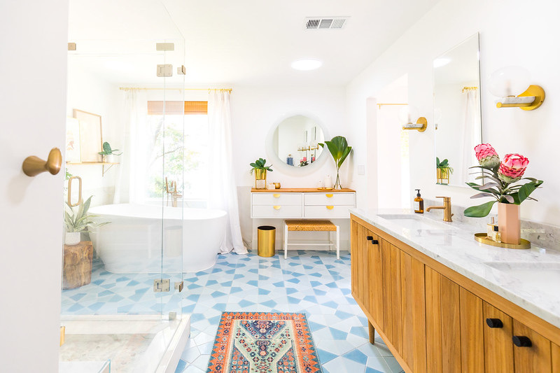 Master Bathroom-41.jpg