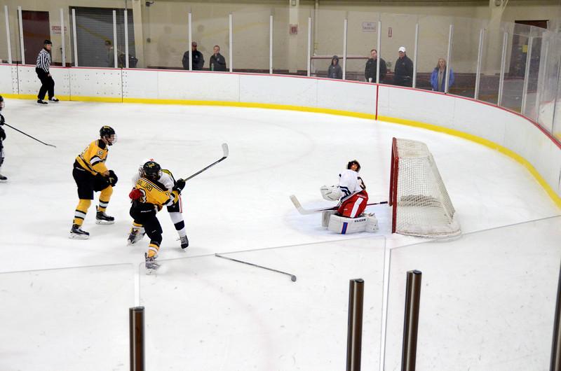 141004 Jr. Bruins vs. Boston Bulldogs-183.JPG