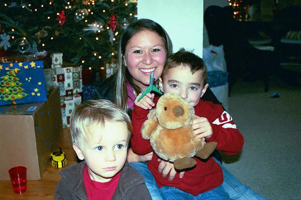 December 2004 - Christmas in VA