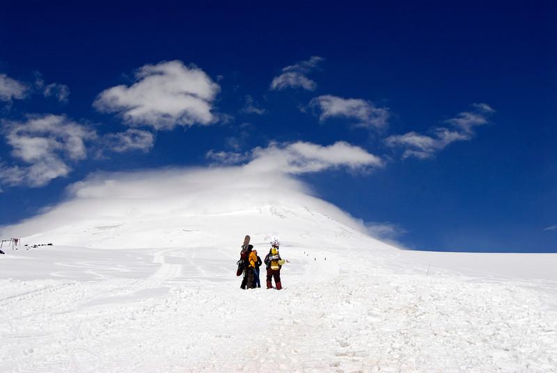 080501 1356 Russia - Mount Elbruce - Day 1 hiking up to Refuge No 11 _E _I ~E ~L.JPG