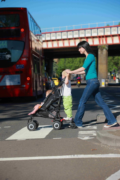BuggyBoard_MINI_London_lifestyle.JPG